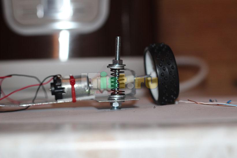 Делаем шасси для робота ардуино своими руками 5