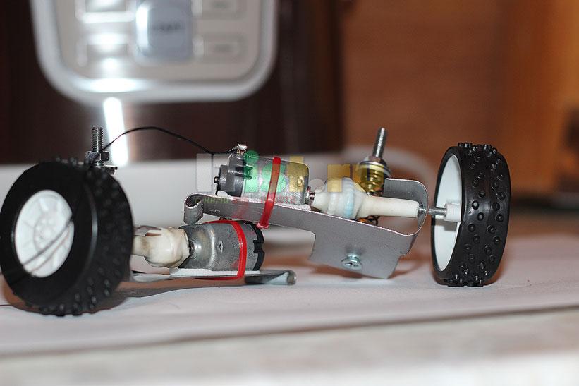 Делаем шасси для робота ардуино своими руками 6
