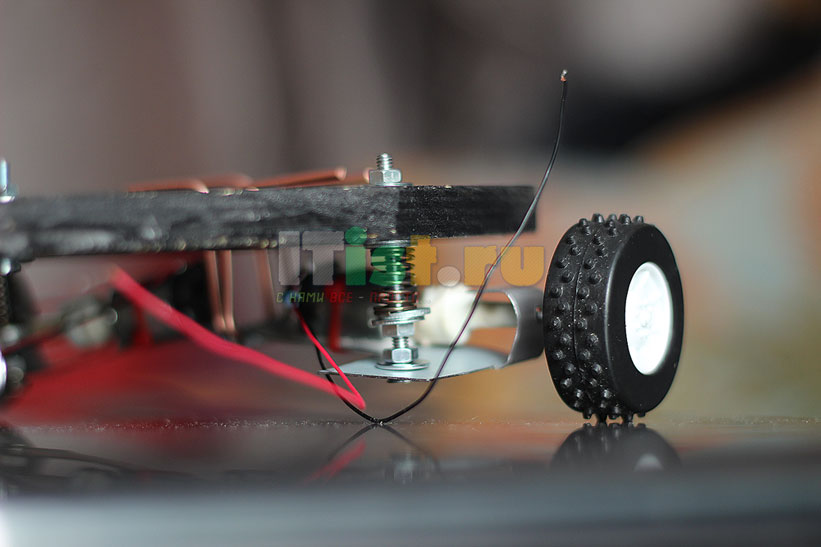 Делаем шасси для робота ардуино своими руками 9